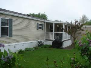 1996 Hollypark Mobile Home 2 Br Village Of North Oak For