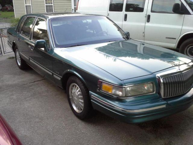 1996 lincoln town car for sale in louisville kentucky classified. Black Bedroom Furniture Sets. Home Design Ideas