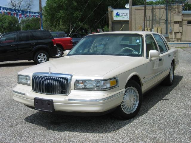 1996 Lincoln Town Car Cartier Designer For Sale In Bay City Texas