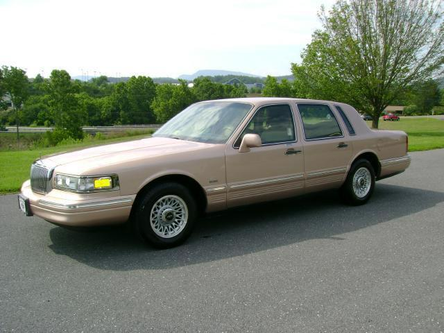 1996 lincoln town car executive for sale in lexington virginia classified. Black Bedroom Furniture Sets. Home Design Ideas