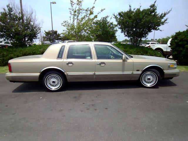 1996 lincoln town car signature for sale in monroe louisiana classified. Black Bedroom Furniture Sets. Home Design Ideas