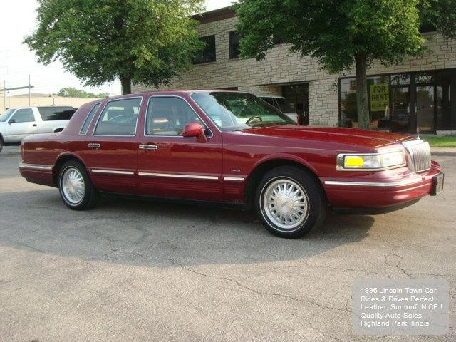 1996 lincoln town car signature for sale in highland park illinois classified. Black Bedroom Furniture Sets. Home Design Ideas
