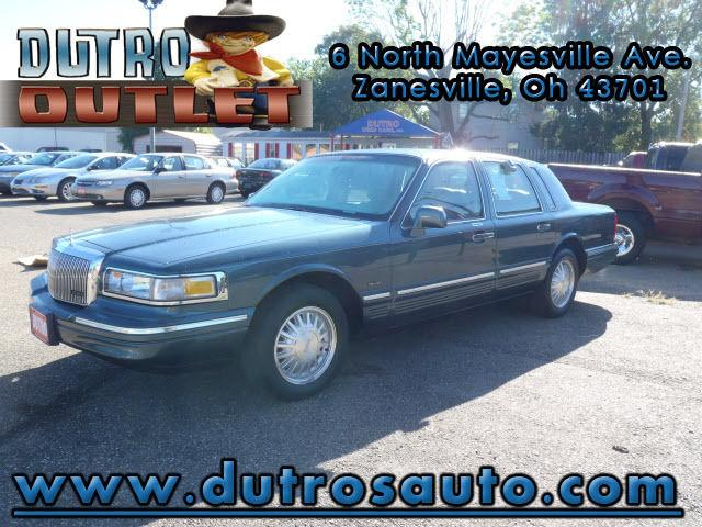 1996 lincoln town car signature for sale in zanesville ohio classified. Black Bedroom Furniture Sets. Home Design Ideas