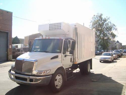 1996 Mitsubishi FE-HD 14' Reefer Truck - Thermo King Electric standby