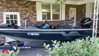 1996 Nitro Savage 884 Bass Boat
