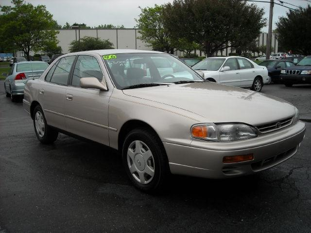 1996 toyota camry le v6 for sale in newington connecticut. Black Bedroom Furniture Sets. Home Design Ideas