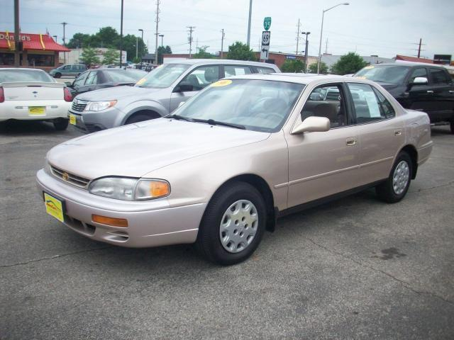 1996 toyota camry le for sale in ames iowa classified. Black Bedroom Furniture Sets. Home Design Ideas