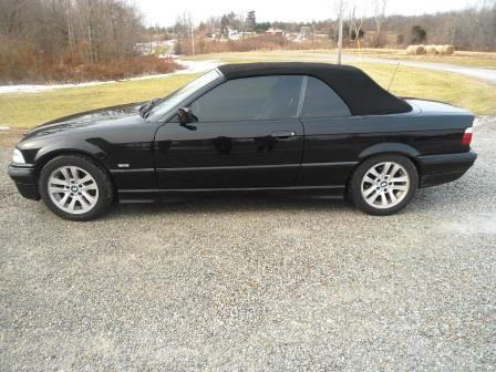 1997 BMW 328i Convertible  Black for Sale in Felicity Ohio