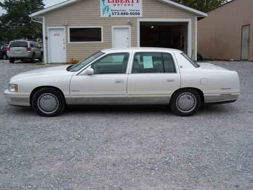1997 cadillac deville d 39 elegance pearl white 109k for sale in columbia missouri classified. Black Bedroom Furniture Sets. Home Design Ideas