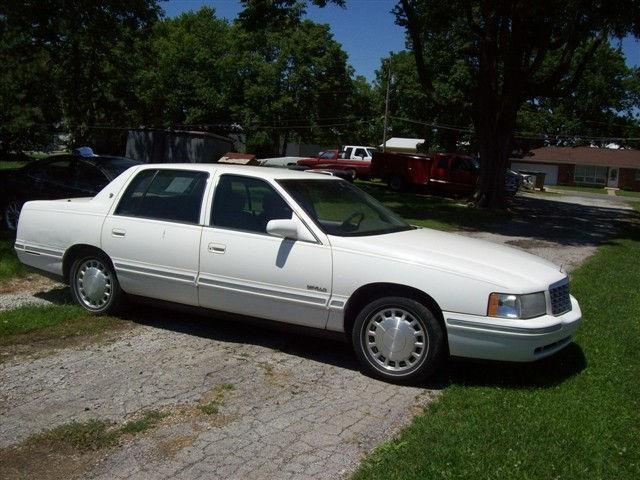 1997 Cadillac DeVille for sale in Nashville, Illinois