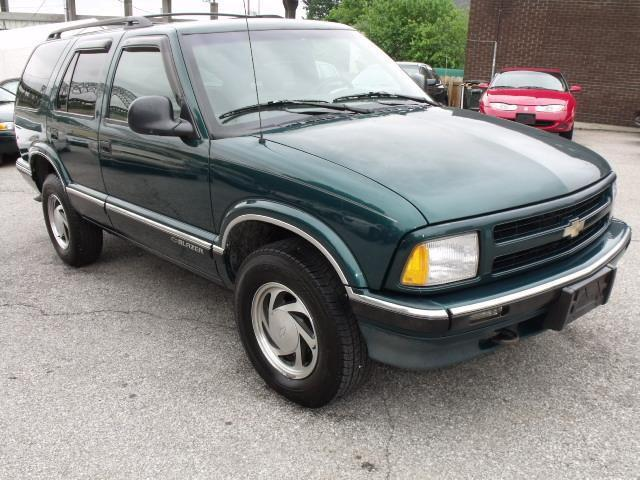 1997 chevrolet blazer lt for sale in new albany indiana. Black Bedroom Furniture Sets. Home Design Ideas