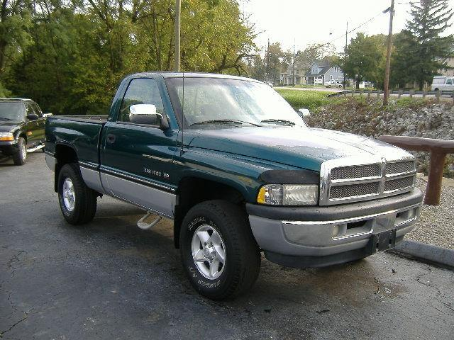1997 dodge ram 1500 for sale in grove city ohio classified. Black Bedroom Furniture Sets. Home Design Ideas