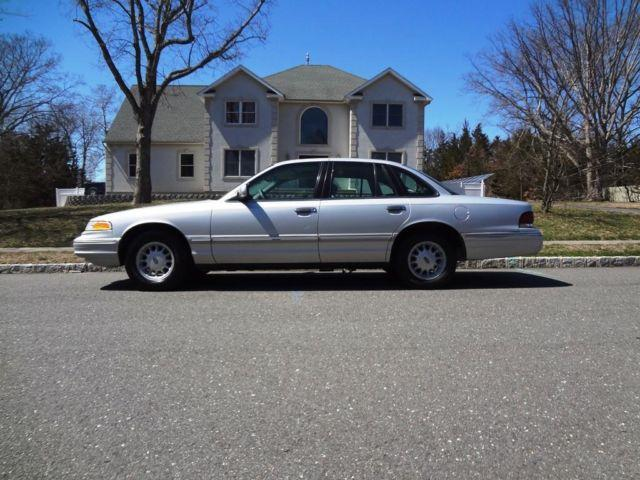 1997 ford crown victoria for sale in lakehurst new jersey classified. Black Bedroom Furniture Sets. Home Design Ideas