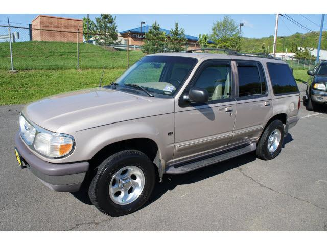 1997 ford explorer xlt for sale in watchung new jersey classified. Black Bedroom Furniture Sets. Home Design Ideas