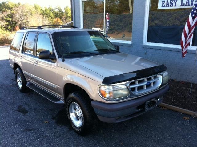 1997 ford explorer xlt for sale in newton north carolina classified. Black Bedroom Furniture Sets. Home Design Ideas