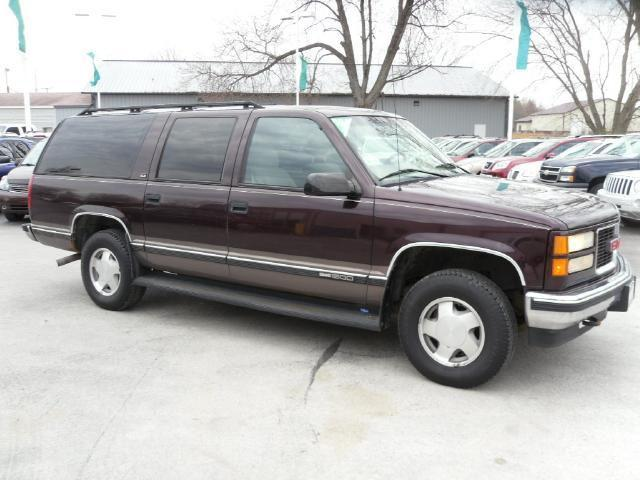 1997 gmc suburban for sale in kokomo indiana classified. Black Bedroom Furniture Sets. Home Design Ideas