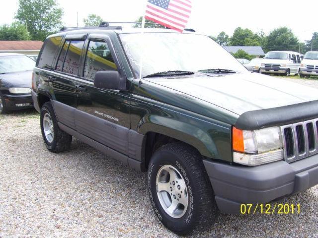 1997 jeep grand cherokee laredo for sale in newark ohio classified. Black Bedroom Furniture Sets. Home Design Ideas