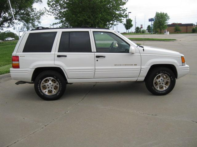 1997 jeep grand cherokee limited 4wd for sale in lees summit missouri classified. Black Bedroom Furniture Sets. Home Design Ideas
