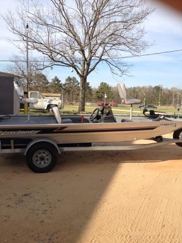 1997 Lakesport fishing boat