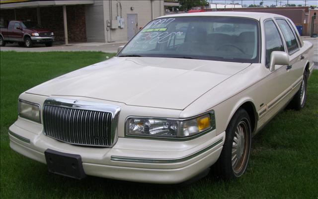 1997 Lincoln Town Car Cartier Designer For Sale In Springfield