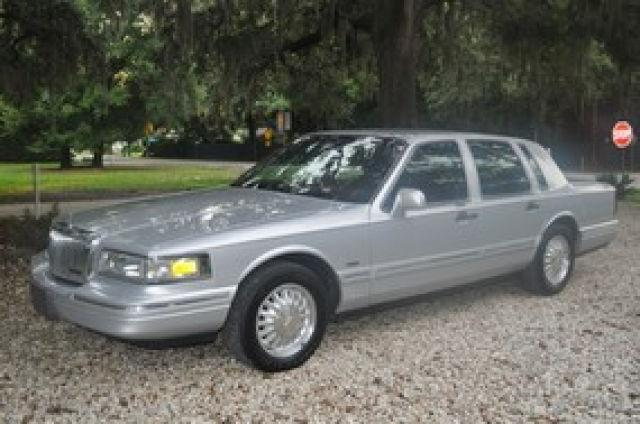 2007 Lincoln Town Car Designer For Sale In Florida Classifieds Buy