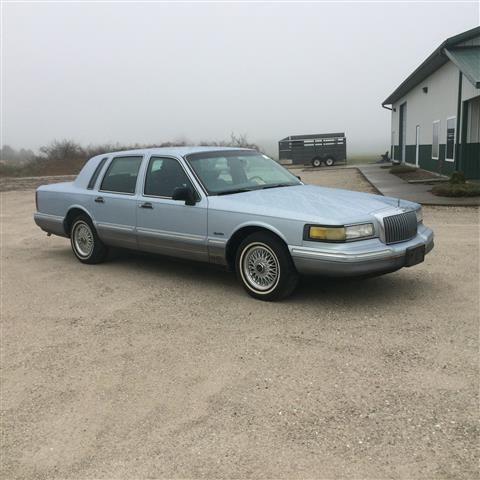 1997 Lincoln Town Car Sedan Signature Sedan 4d For Sale In Cedar Gap