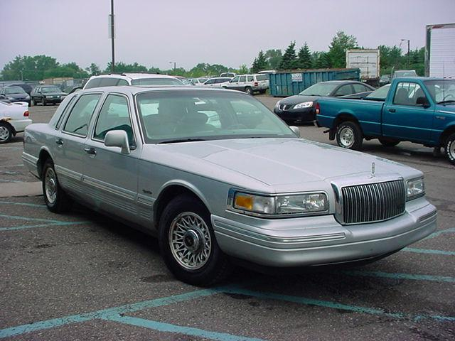 1997 lincoln town car signature for sale in pontiac. Black Bedroom Furniture Sets. Home Design Ideas