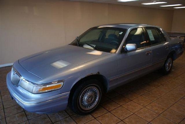 1997 mercury grand marquis gs for sale in downers grove illinois classified. Black Bedroom Furniture Sets. Home Design Ideas