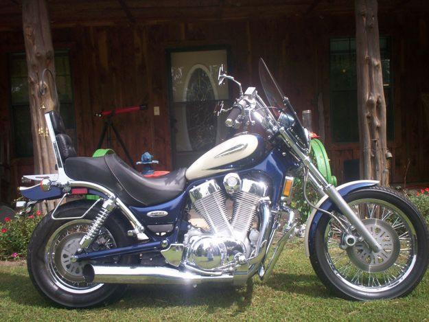 1997 Suzuki 1400 Intruder motorcycle FOR SALE