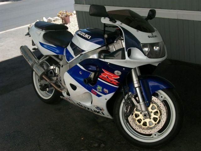 1997 Suzuki GSXR 750 Blue & White, Clean Title, 30,000k Reg 12 / 2015