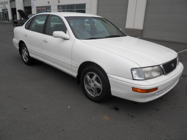 1997 toyota avalon xl for sale in chantilly virginia. Black Bedroom Furniture Sets. Home Design Ideas