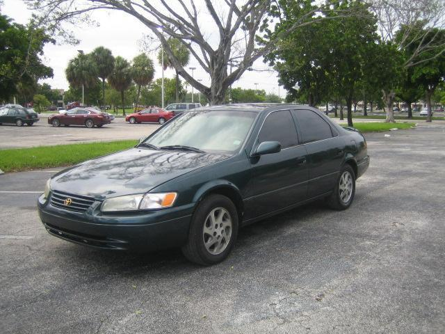 1997 toyota camry ce for sale in hollywood florida. Black Bedroom Furniture Sets. Home Design Ideas