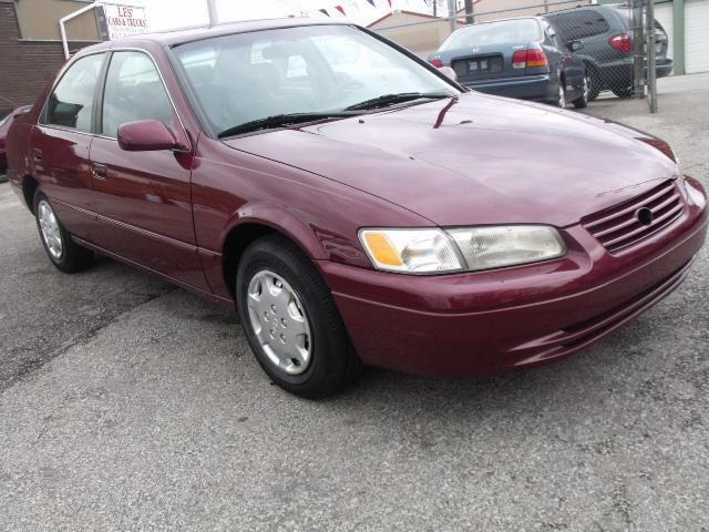 1997 toyota camry le for sale in new albany indiana. Black Bedroom Furniture Sets. Home Design Ideas