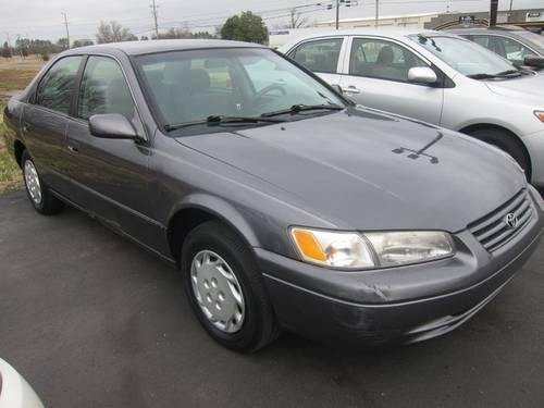 1997 Toyota Camry Sedan LE for Sale in Murfreesboro
