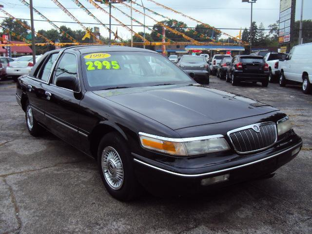 1997 mercury grand marquis gs for sale in crestwood illinois. Black Bedroom Furniture Sets. Home Design Ideas