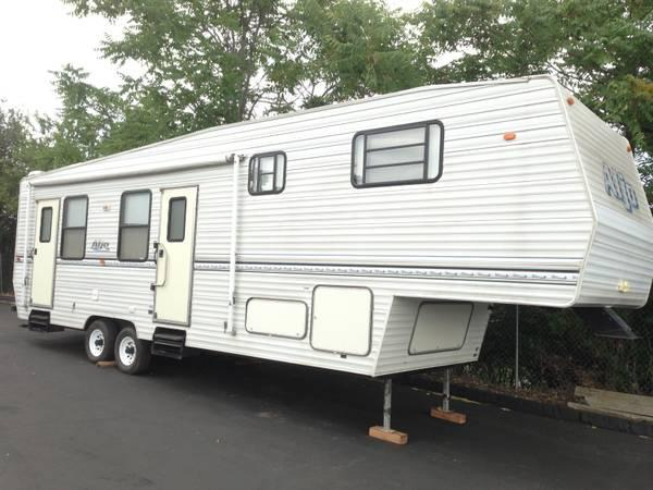 1998 Aljo 33' 5th wheel trailer 2 slideouts - $7975
