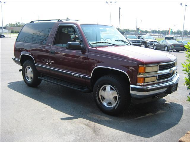 1998 chevrolet tahoe for sale in memphis tennessee. Black Bedroom Furniture Sets. Home Design Ideas
