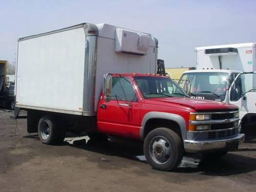 1998 Chevy 3500HD 12' Reefer Truck - Thermo King unit - Diesel