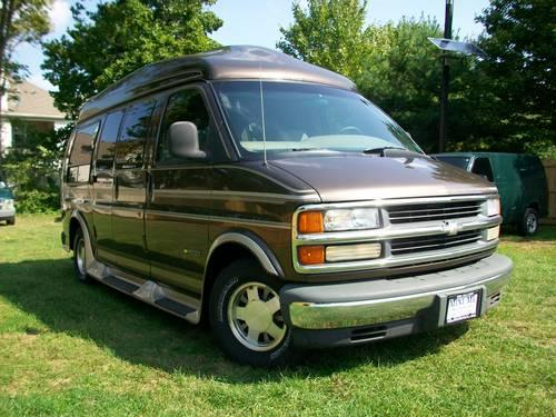 1998 Chevy Conversion Van By Chariot Excellent Loaded 1