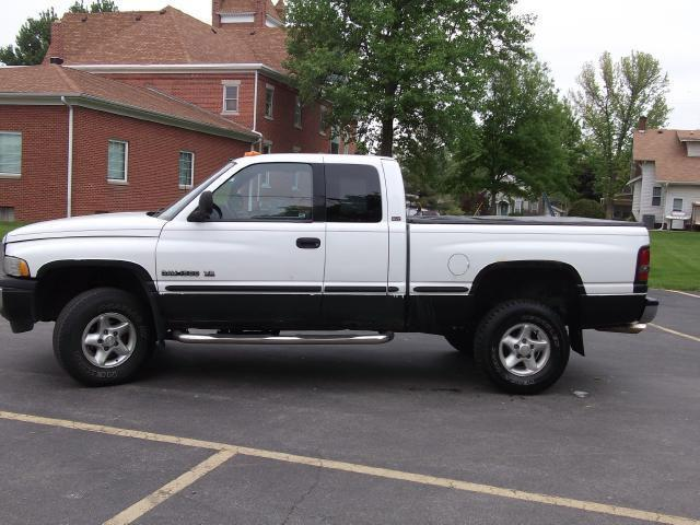 1998 dodge ram 1500 for sale in dayton indiana classified. Black Bedroom Furniture Sets. Home Design Ideas