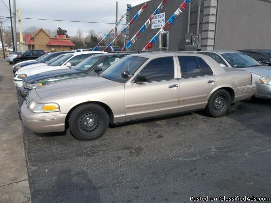 1998 ford crown victoria for sale in bowling green kentucky classified. Black Bedroom Furniture Sets. Home Design Ideas