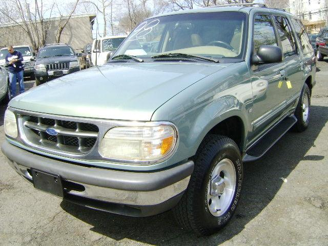 1998 ford explorer limited for sale in newark new jersey classified. Black Bedroom Furniture Sets. Home Design Ideas