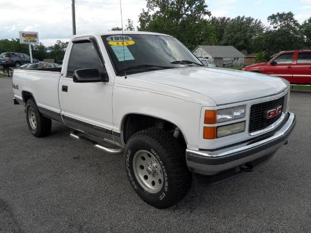 1998 gmc sierra 1500 sl for sale in cloverdale indiana classified. Black Bedroom Furniture Sets. Home Design Ideas