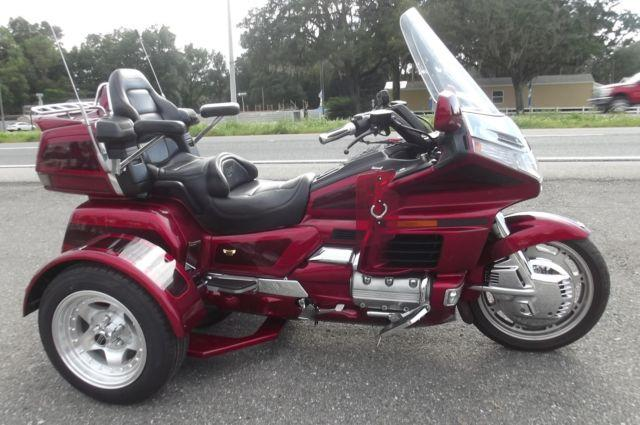 1998 GOLDWING TRIKE...2-TONE RED