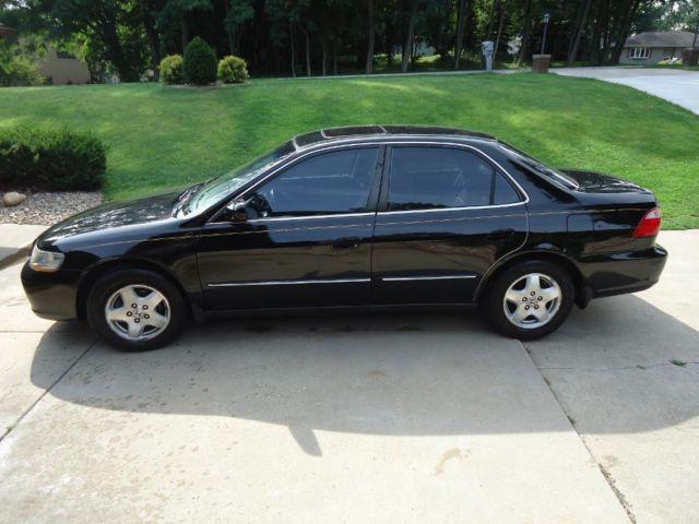 1998 HONDA ACCORD EX V6 BLACK/GREY LEATHER for Sale in La Porte, Indiana Classified ...