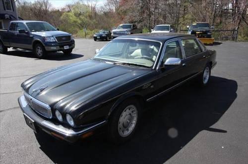 1998 jaguar xj8 sedan vanden plas for sale in plaistow new hampshire classified. Black Bedroom Furniture Sets. Home Design Ideas