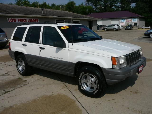 1998 jeep grand cherokee laredo for sale in marion iowa classified. Black Bedroom Furniture Sets. Home Design Ideas
