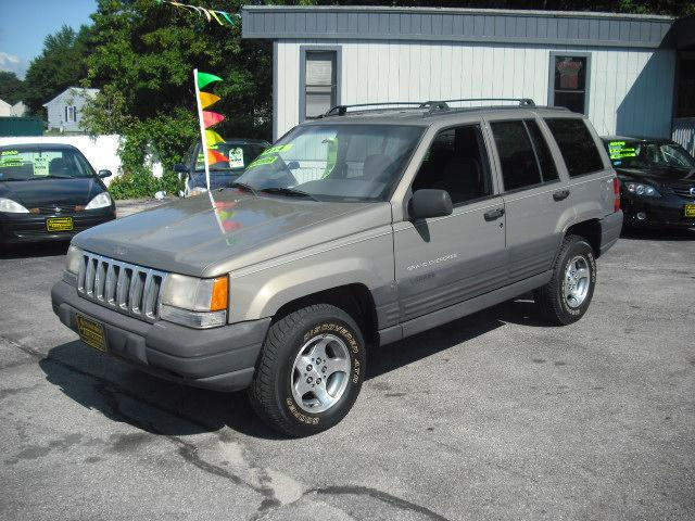 1998 jeep grand cherokee laredo for sale in west warwick rhode island classified. Black Bedroom Furniture Sets. Home Design Ideas