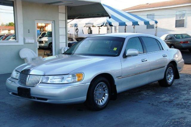 1998 lincoln town car cartier for sale in tampa florida classified. Black Bedroom Furniture Sets. Home Design Ideas