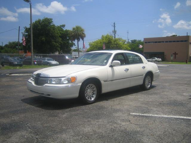 1998 lincoln town car cartier for sale in hollywood florida classified. Black Bedroom Furniture Sets. Home Design Ideas